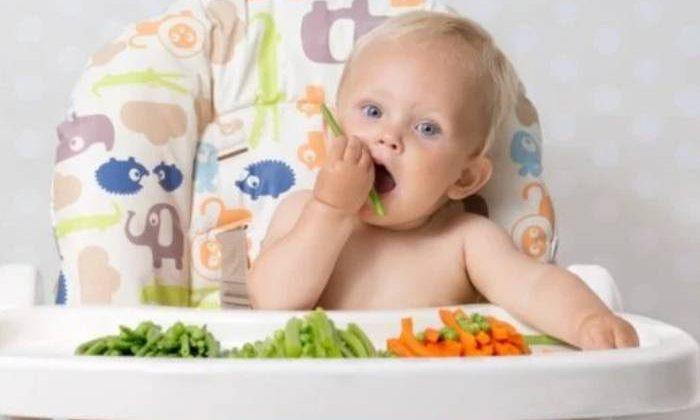 La pareja de veganos condenada por causar malnutrición a su bebé con su dieta