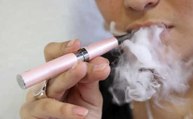 Registran la primera muerte asociada al uso del cigarrillo electrónico
