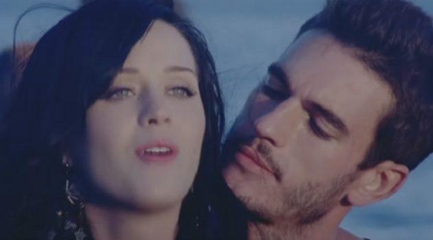 La cantante Katy Perry fue acusada de agresión sexual por el modelo Josh Kloss