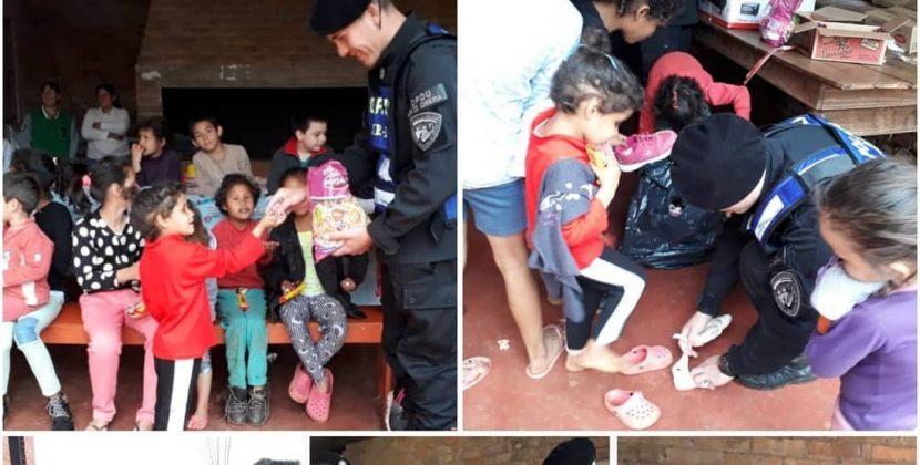 Oberá: Policías donaron ropas y calzados a niños en un merendero