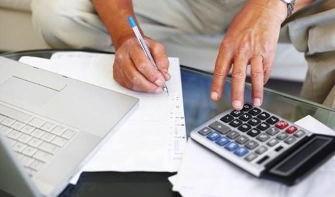 "Allamprese: incrementó la demanda de créditos para ""llegar a fin de mes"""