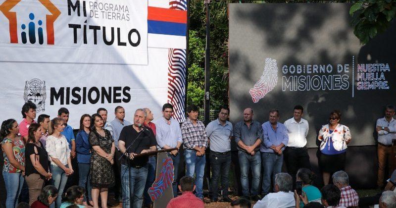 Passalacqua entregó títulos de propiedad en El Soberbio